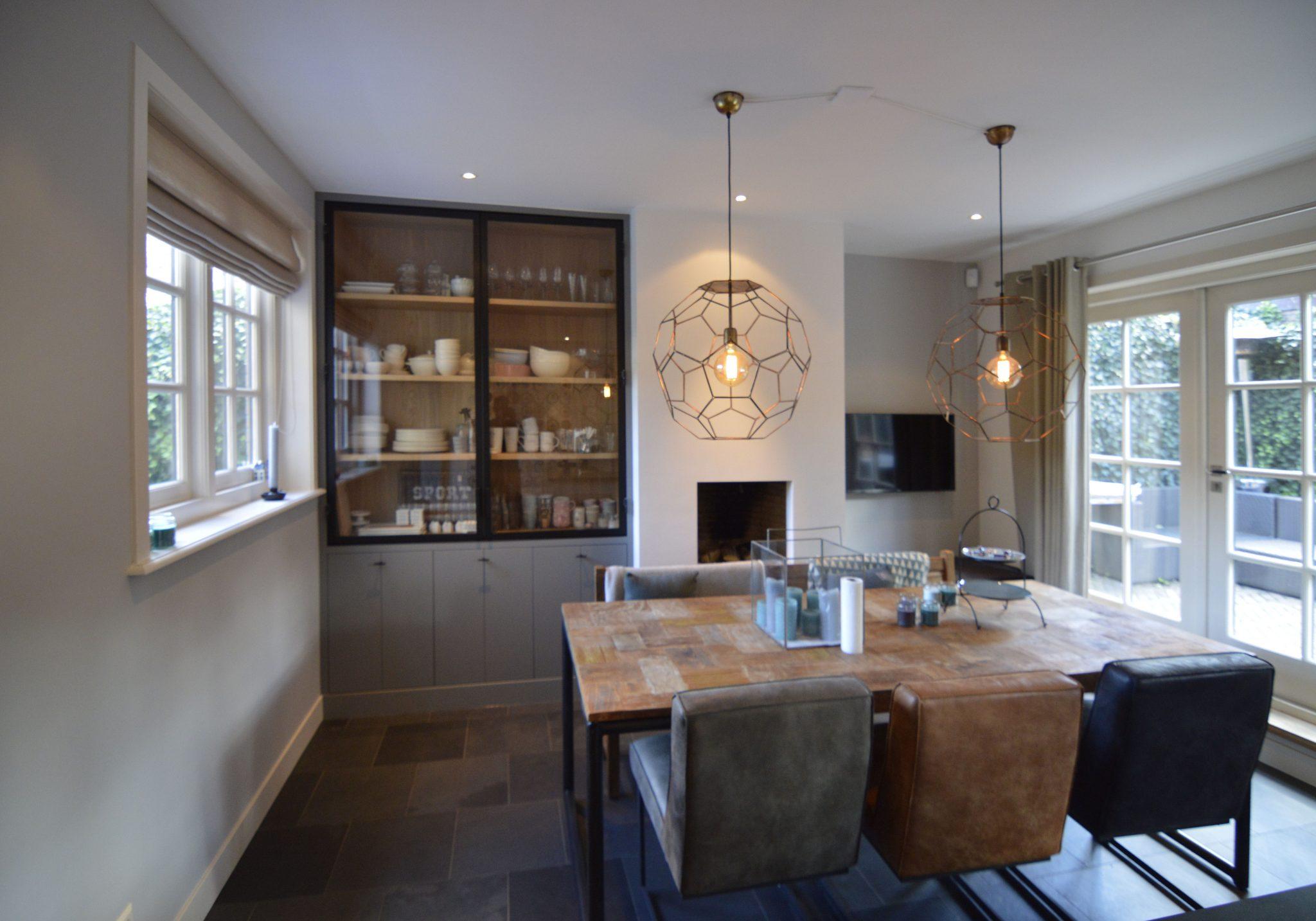 Kast Hout Staal : Tv meubel grijs hout met staal kabinet zonder hoge kasten